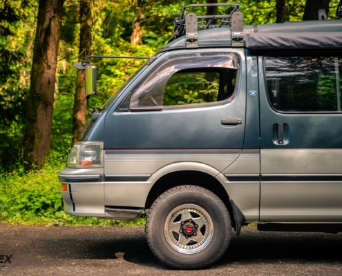 Toyota Hiace Front