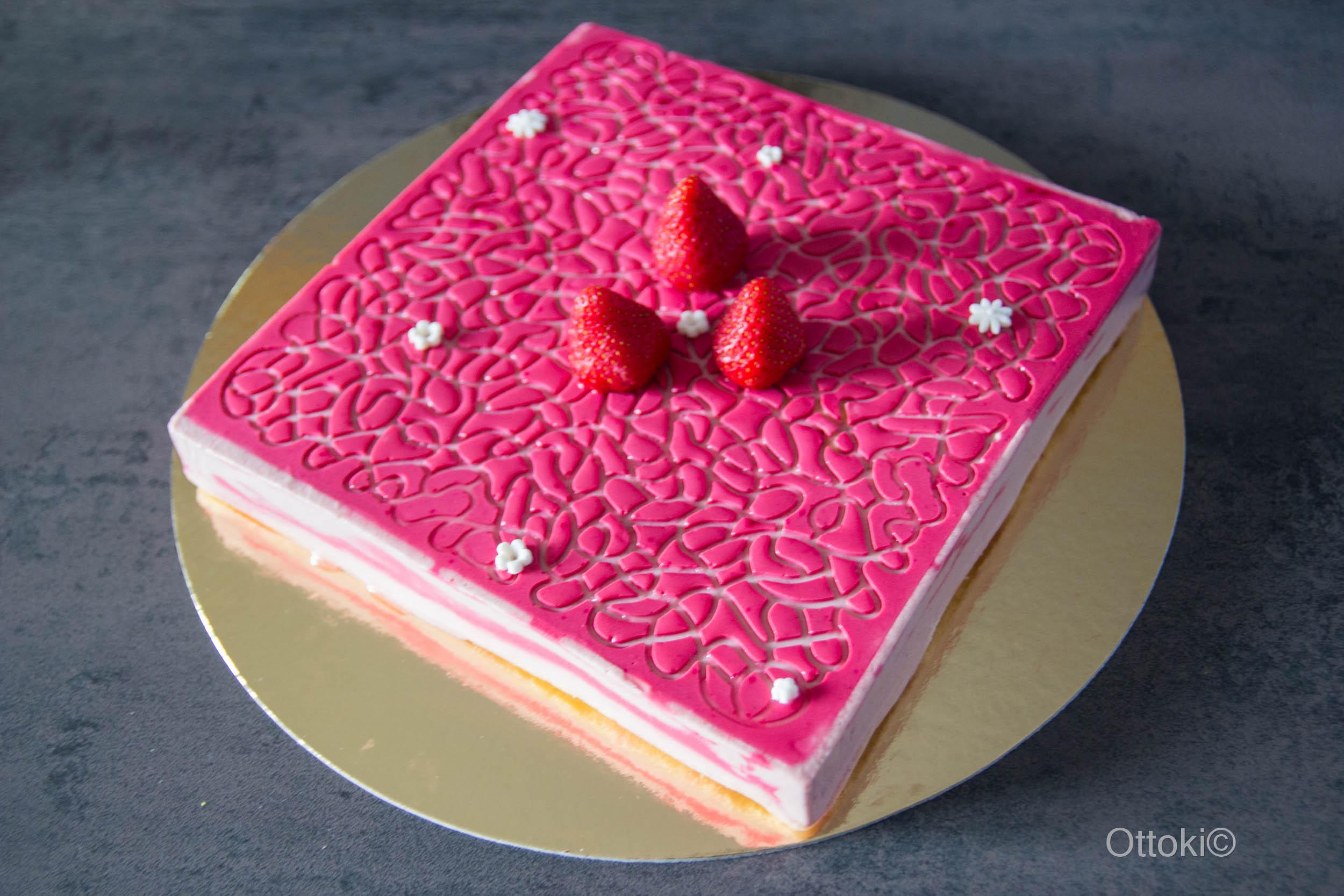 mousse de fraise avec carre flexipat et tapis labyrinthe ottoki