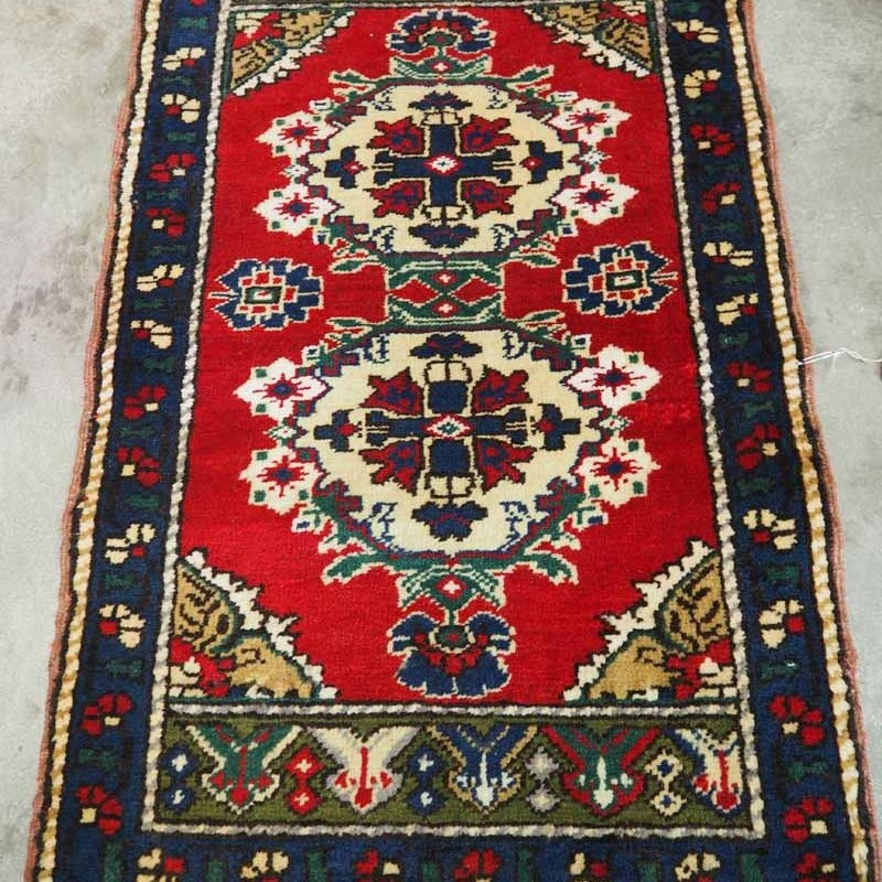 Fine quality Turkish wool hand knotted from Taspinar. Appoixmately 30 years old