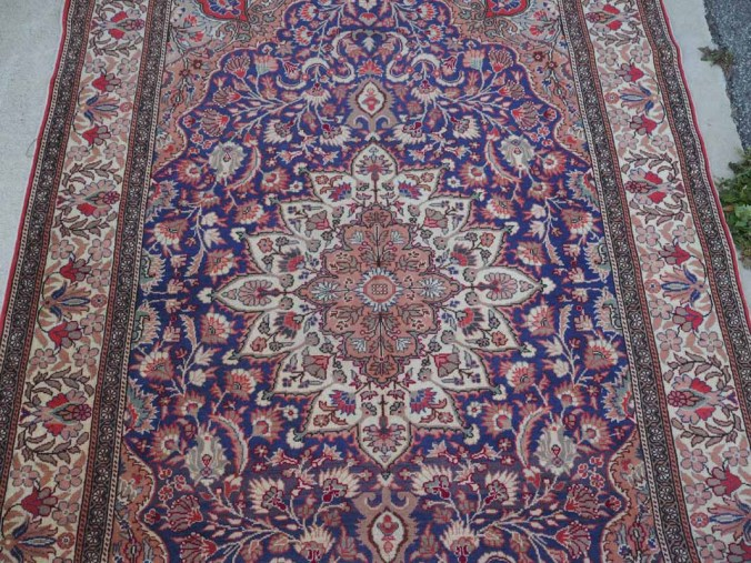 Finely double knotted Turkish wool on wool carpet from Kayseri. Approximately 40-50 years old