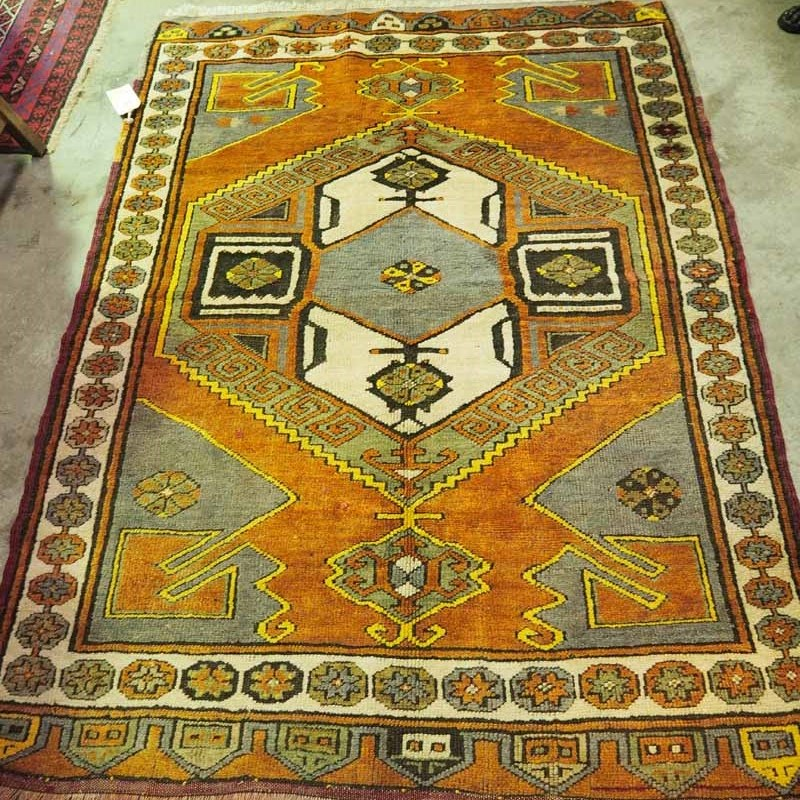 Finely knotted wool on wool Turkish carpet from Konya Karapinar. Approximately 100 years old