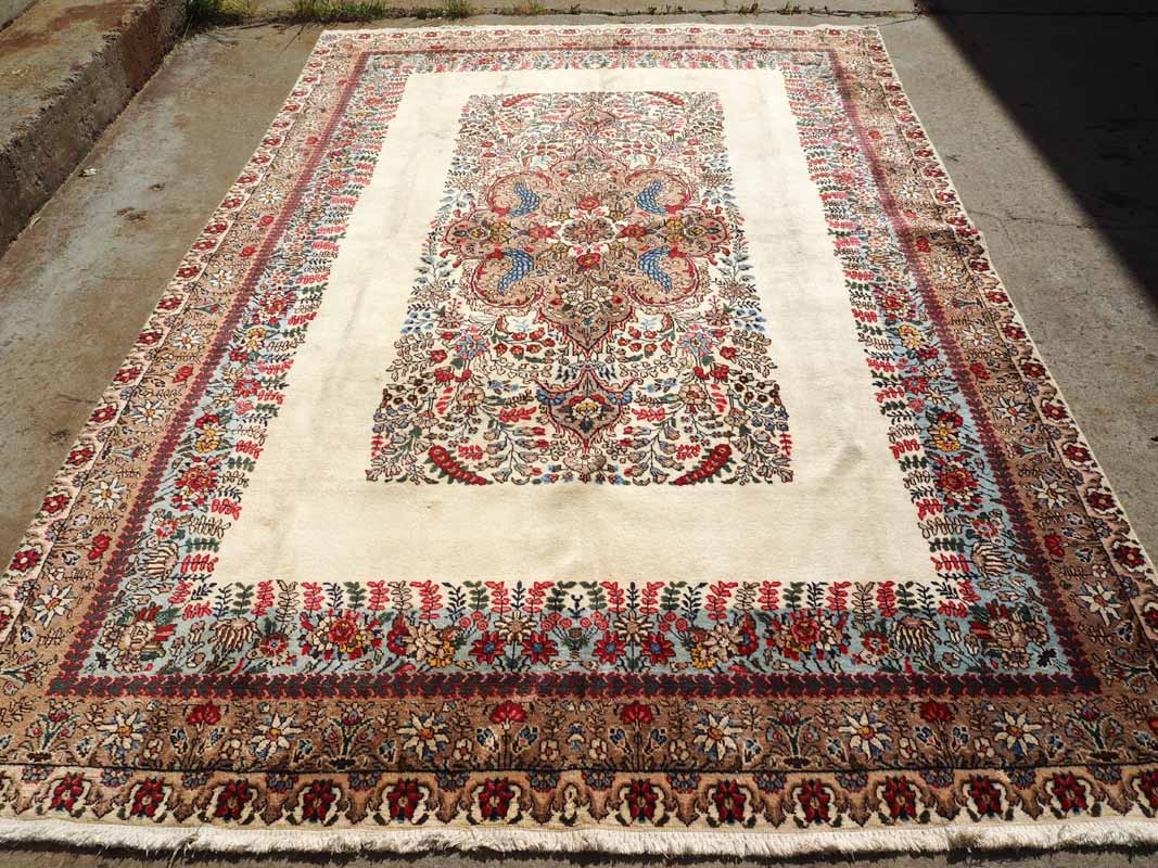 Fineley knotted hand made wool on wool Persian Rug Tabriz. Approximately 80 years old