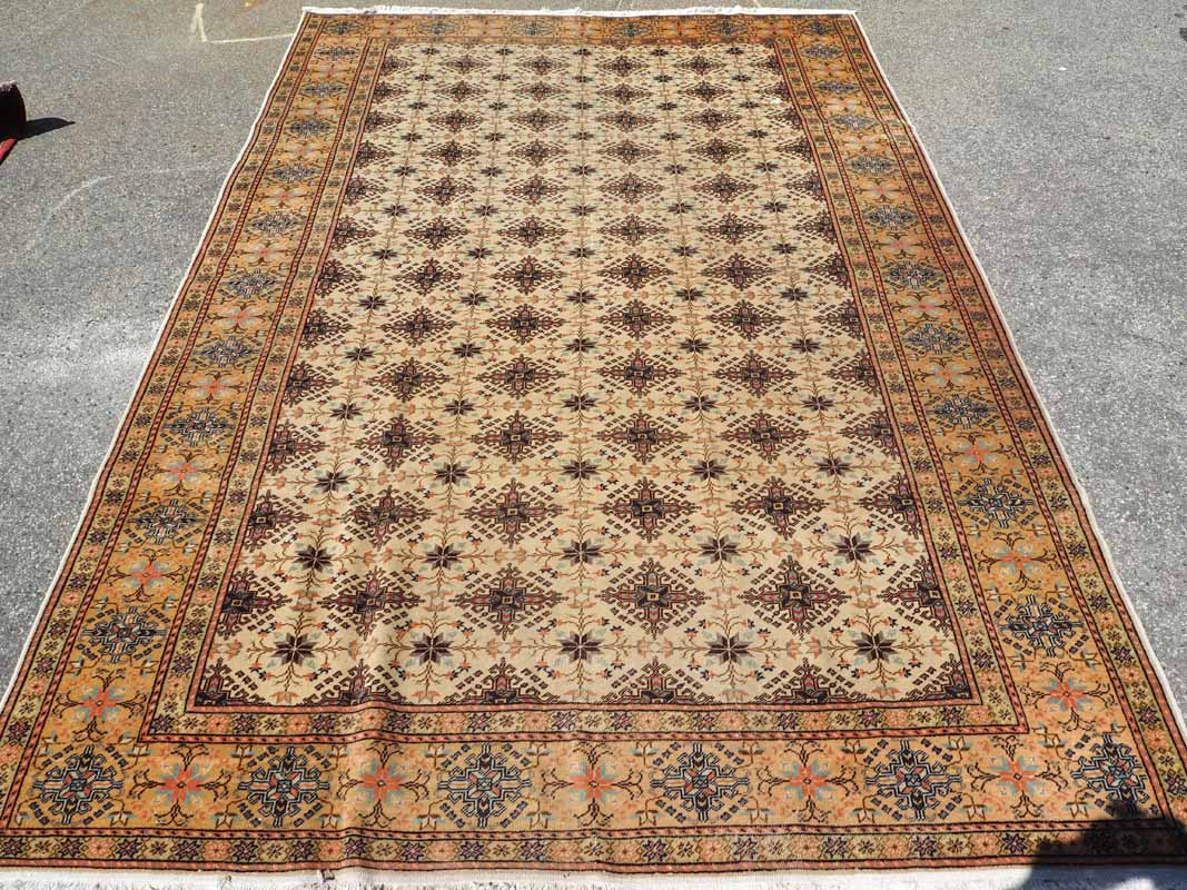 Hand made Double knotted Turkish wool carpet from Kayseri, Approximatley 90 years old
