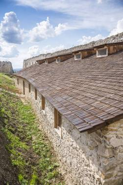 Zamek w Cachticach (10)
