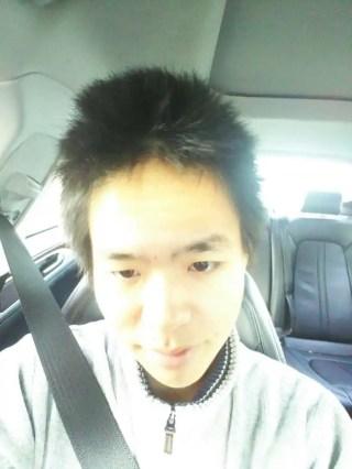 ビフォー。髪がボッサボサ。