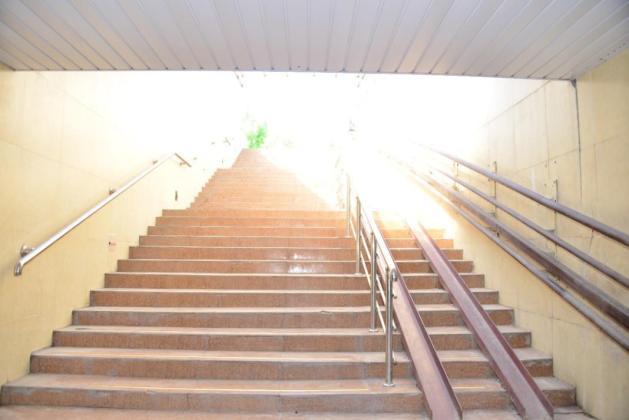 Подземный переход возле Дендропарка