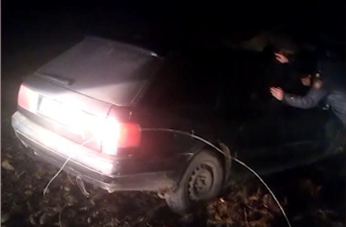 Remove term: машина застряла машина застрялаRemove term: полицейские помогли водит полицейские помогли водителю