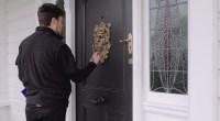 Frapper à la porte est tellement démodé ..