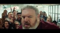 Hodor revit ce moment où il tient la porte dans une publicité KFC