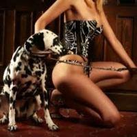 Intervista shock: Anna, la donna che insegna ai cani a far sesso con gli uomini