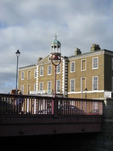 A taste of things to come... Portobello Bridge looking toward... the old, imposing building once was the hotel serving the canal...