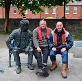 The WI lads join Brendan Behan for a bit of chin wagging...and just a tad of rest before the next boats pass through. Talk of a tight squeeze!