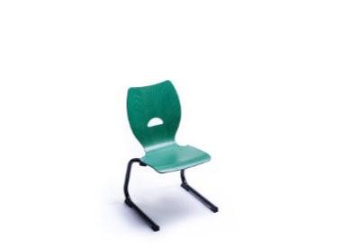 Chaise appui sur table pieds luge
