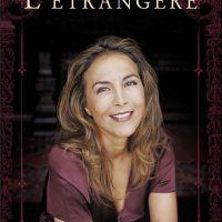 review L'ETRANGERE