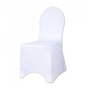 chaise plastique et housse blanche