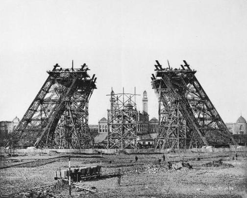 Construction_tour_eiffel2