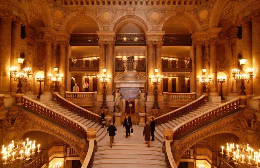 Grand_escalier_de_l'opéra_Garnier