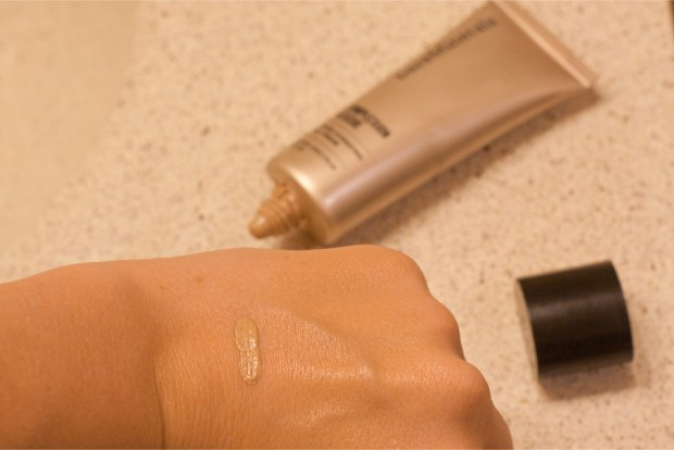 Bare Minerals Complexion Resuce in 04 Swatch