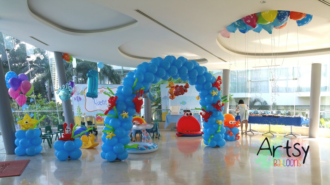 Underwater themed balloon decorations for a function room for Baby shower function decoration