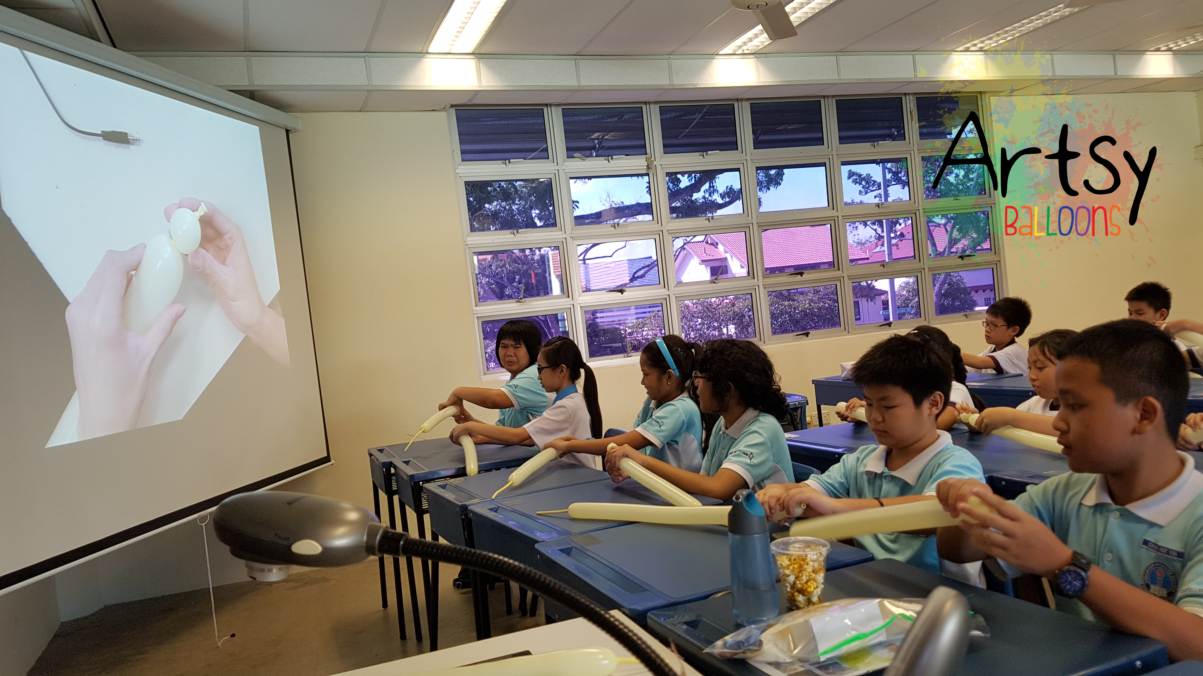 Balloon courses and workshops artsyballoons singapore for Balloon decoration courses dvd