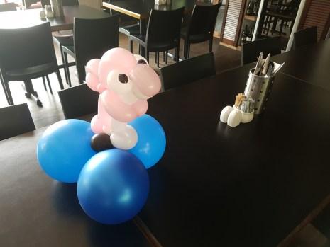 Bunch of sea creature balloon table centerpiece balloon sculpture dolphin Balloon Sculpture table centerpiece decoration singapore
