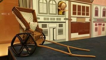 Retro balloon trishaw sculpture display (5)