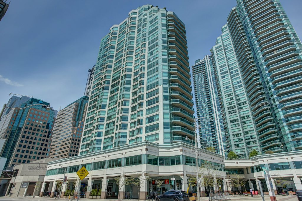 10 Queens Quay West