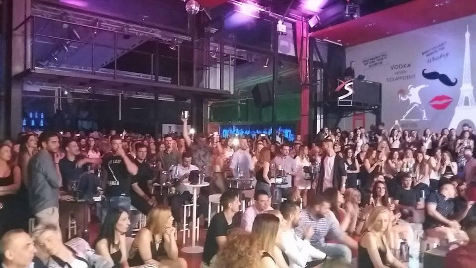 «Βούλιαξε» από κόσμο το XS live clubbing στην Πτολεμαΐδα, με την εμφάνιση του Γιώργου Σαμπάνη, το βράδυ του Σαββάτου 24 Ιουνίου