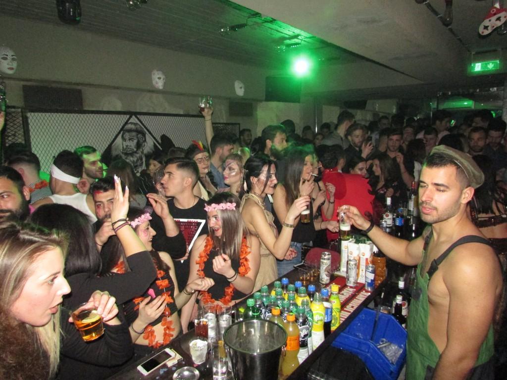 Σάββατο βράδυ, Mεγάλης Aποκριάς, στο club La Cage στην Κοζάνη