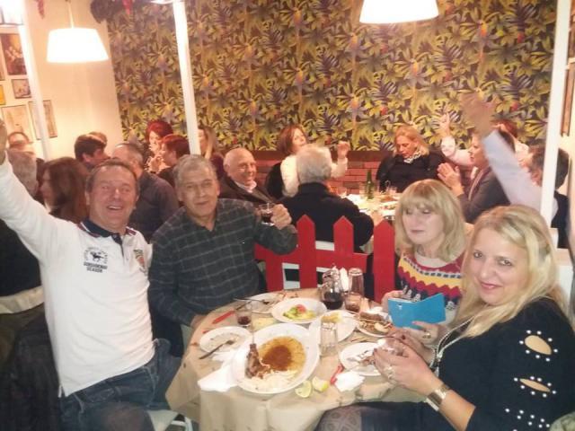Με όμορφα λαϊκά τραγούδια, διασκέδασαν το βράδυ του Σαββάτου 5/1, στην Ταβέρνα «Το μυστικό της Γεύσης» στην Πτολεμαΐδα