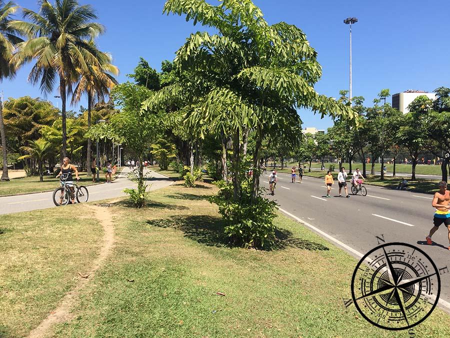 Am Sonntag ist wie hier im Flamengo Park die Straße gesperrt