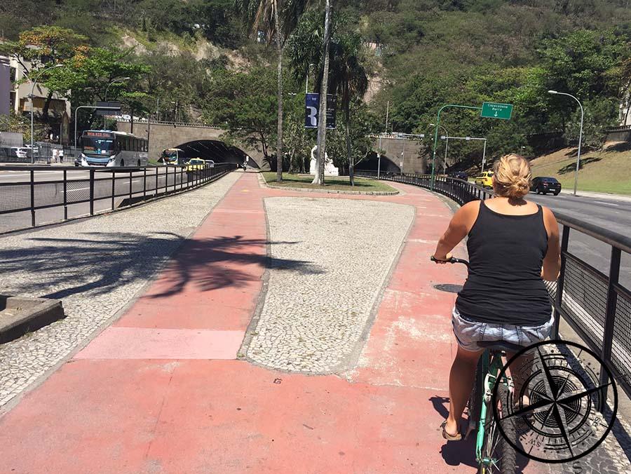Der Fahrradweg ist gut ausgebaut und verbindet viele Stadtteile