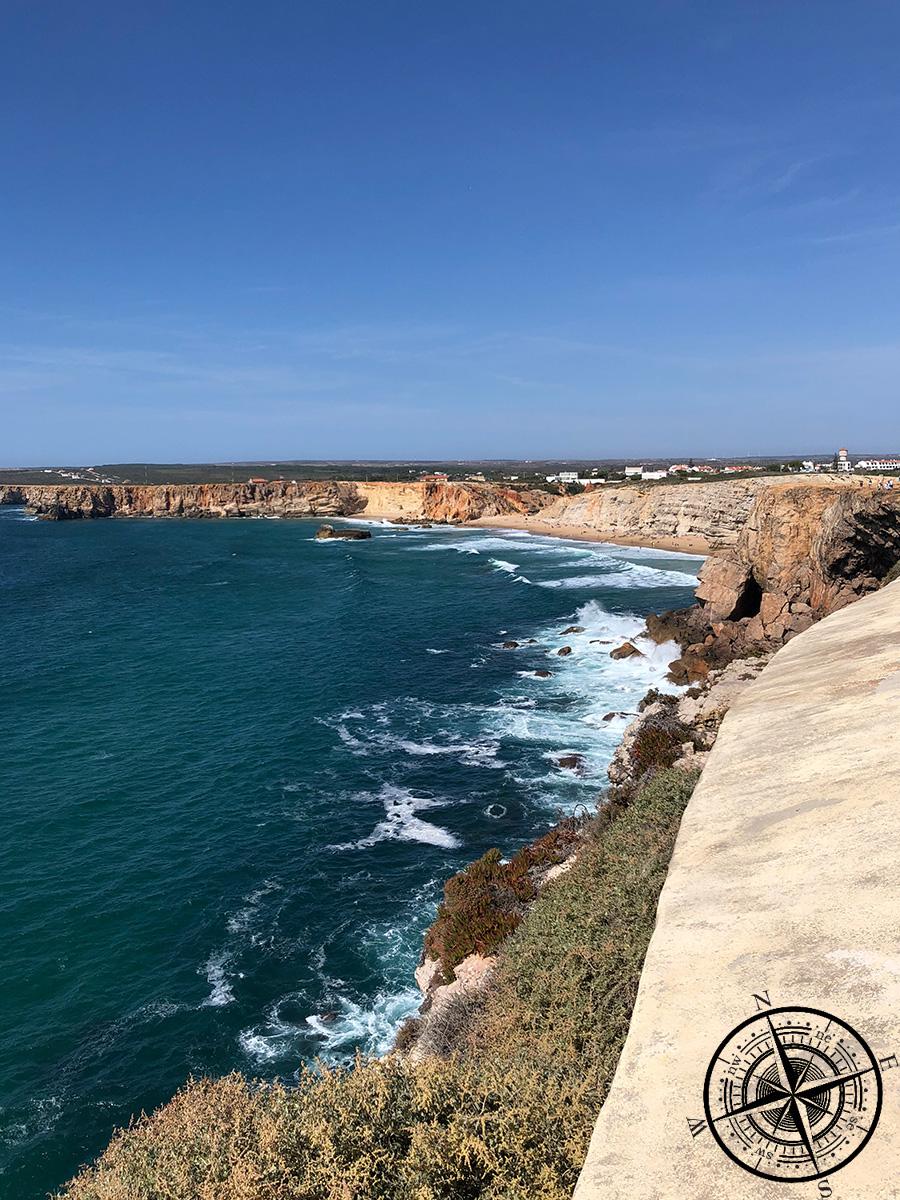 Ein bekanntes Bild für Portugal - die Steilküsten