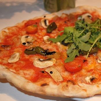 Überraschungs-Pizza im Vitaña in Palma de Mallorca/Spanien