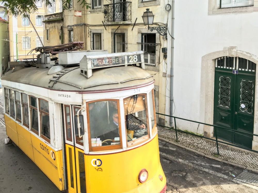 Tram 28e in Lissabon