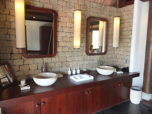 The ensuite of the 2 bedroom villa.