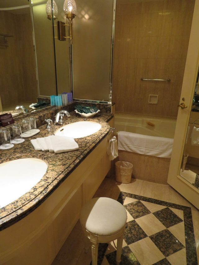 Vanity bathroom, junior suite