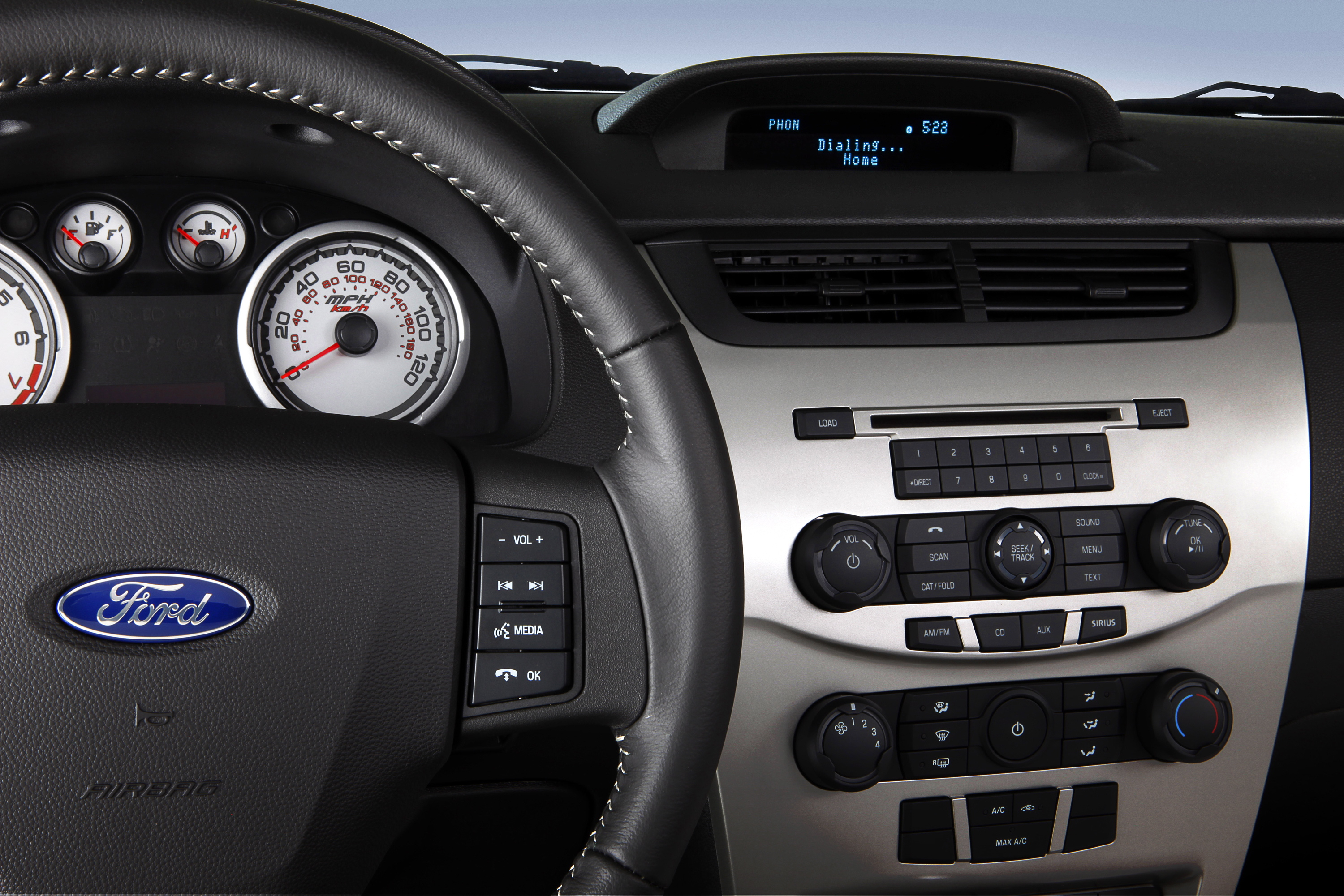ford sync 911 assist our auto expert. Black Bedroom Furniture Sets. Home Design Ideas