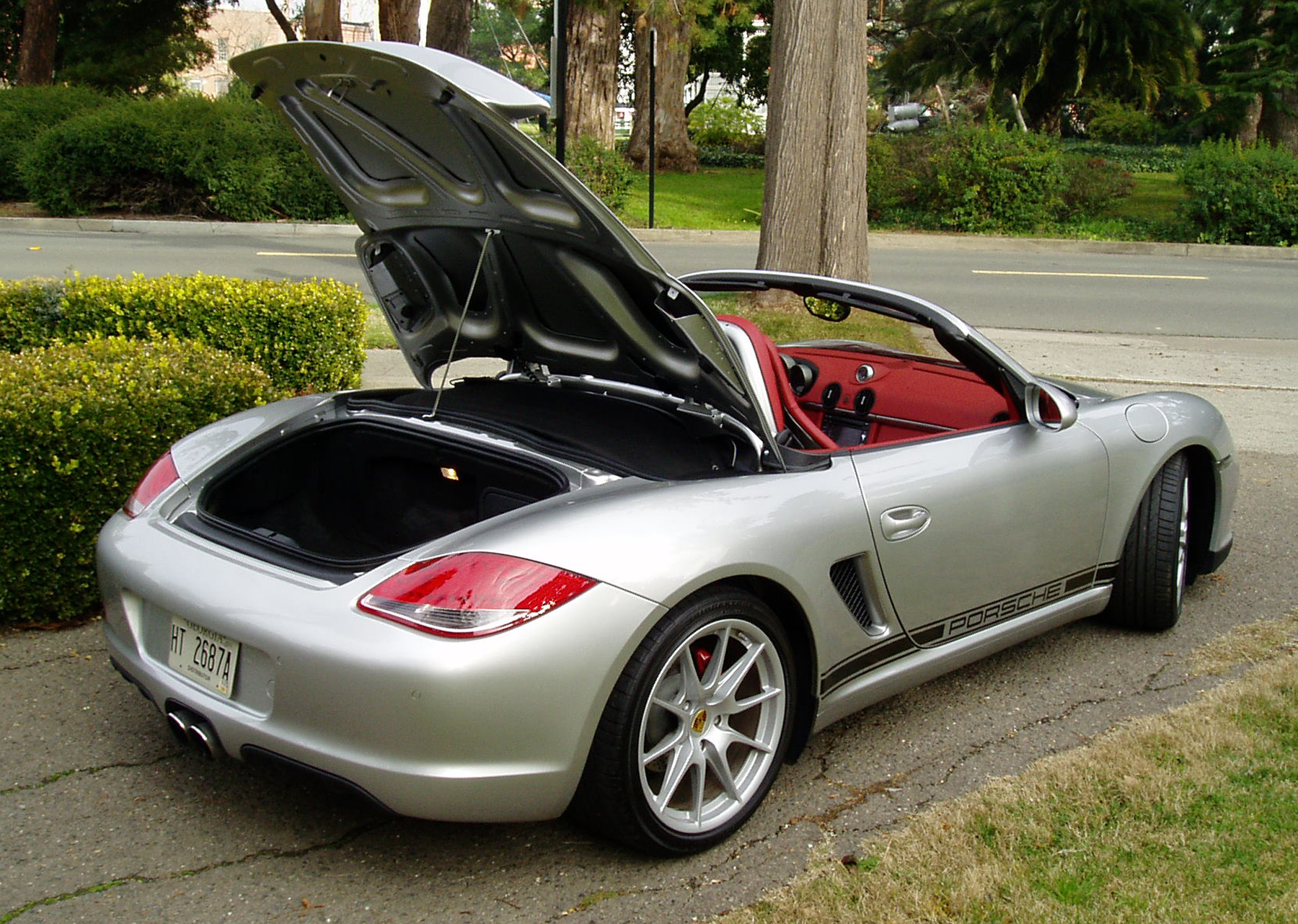 test drive 2011 porsche boxster spyder our auto expert. Black Bedroom Furniture Sets. Home Design Ideas
