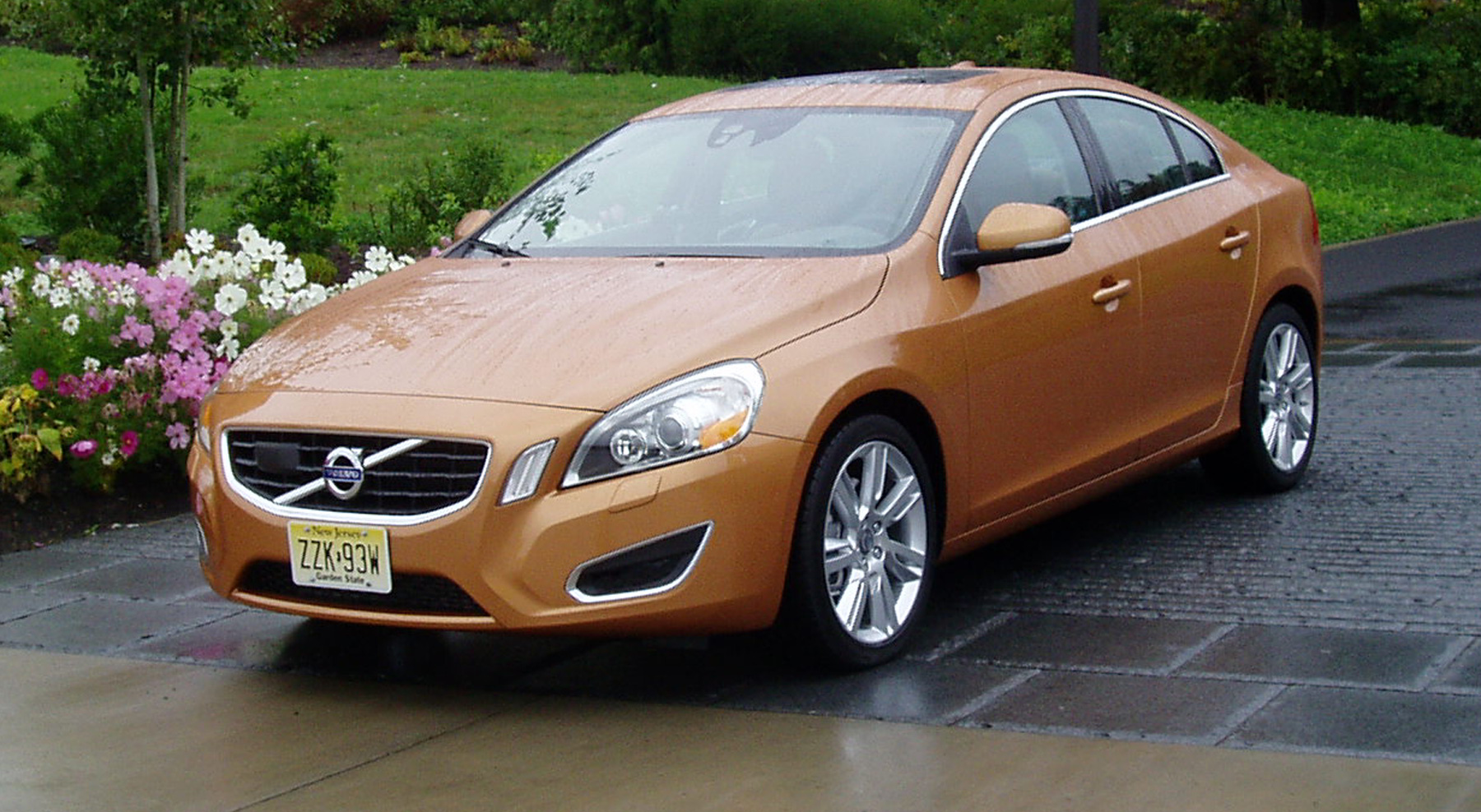 test drive 2011 volvo s60 t6 awd our auto expert. Black Bedroom Furniture Sets. Home Design Ideas