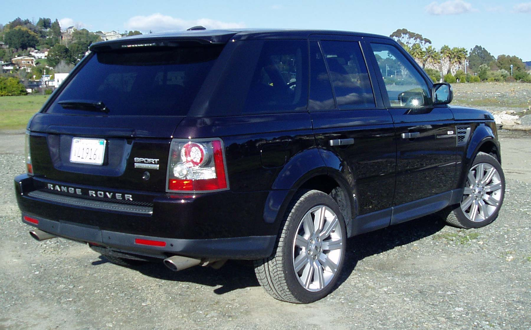 test drive 2011 range rover sport supercharged our auto. Black Bedroom Furniture Sets. Home Design Ideas
