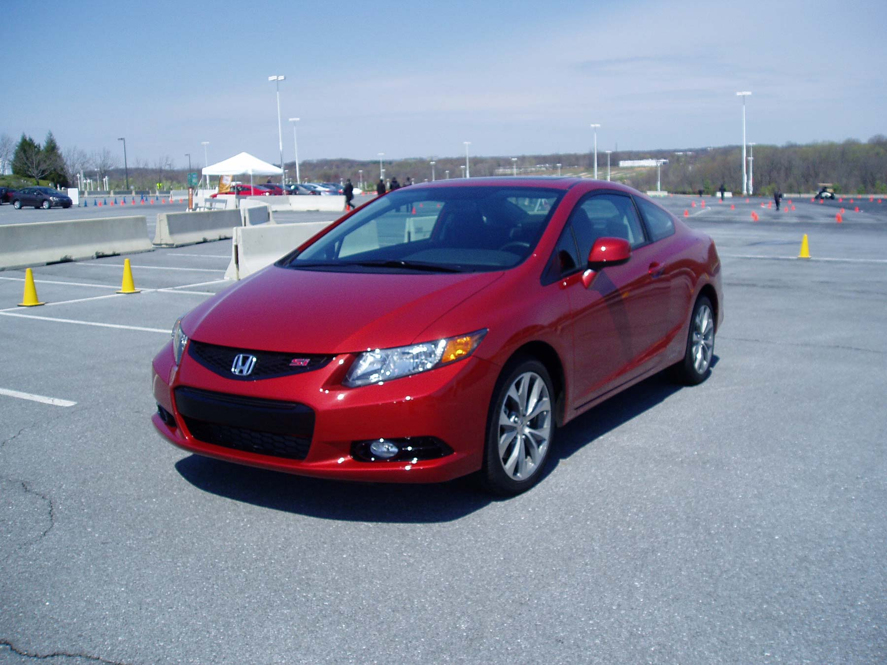 Test drive 2012 honda civic si coupe our auto expert for Build your own honda civic