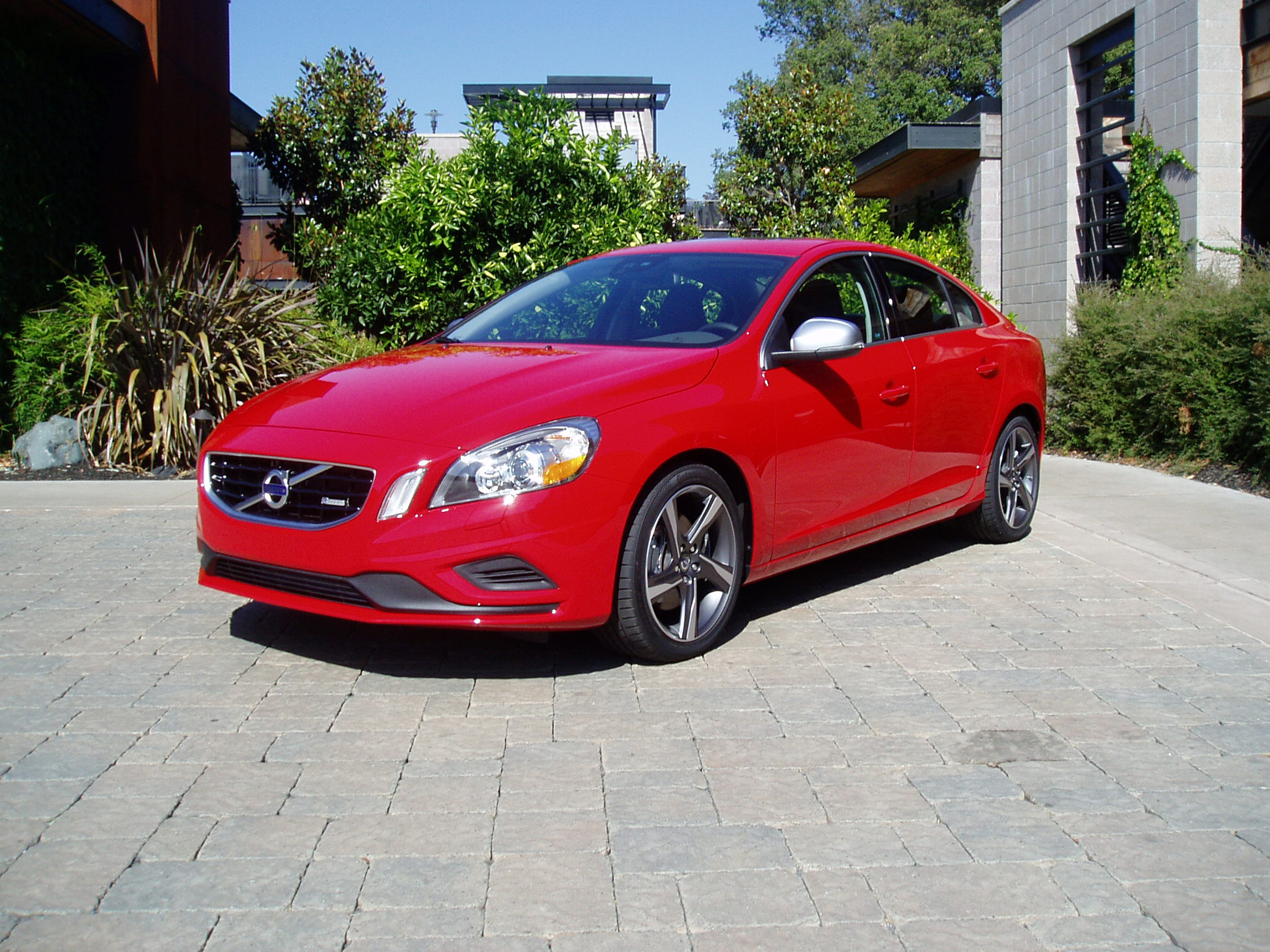 2012 volvo s60 t6 awd r design our auto expert. Black Bedroom Furniture Sets. Home Design Ideas