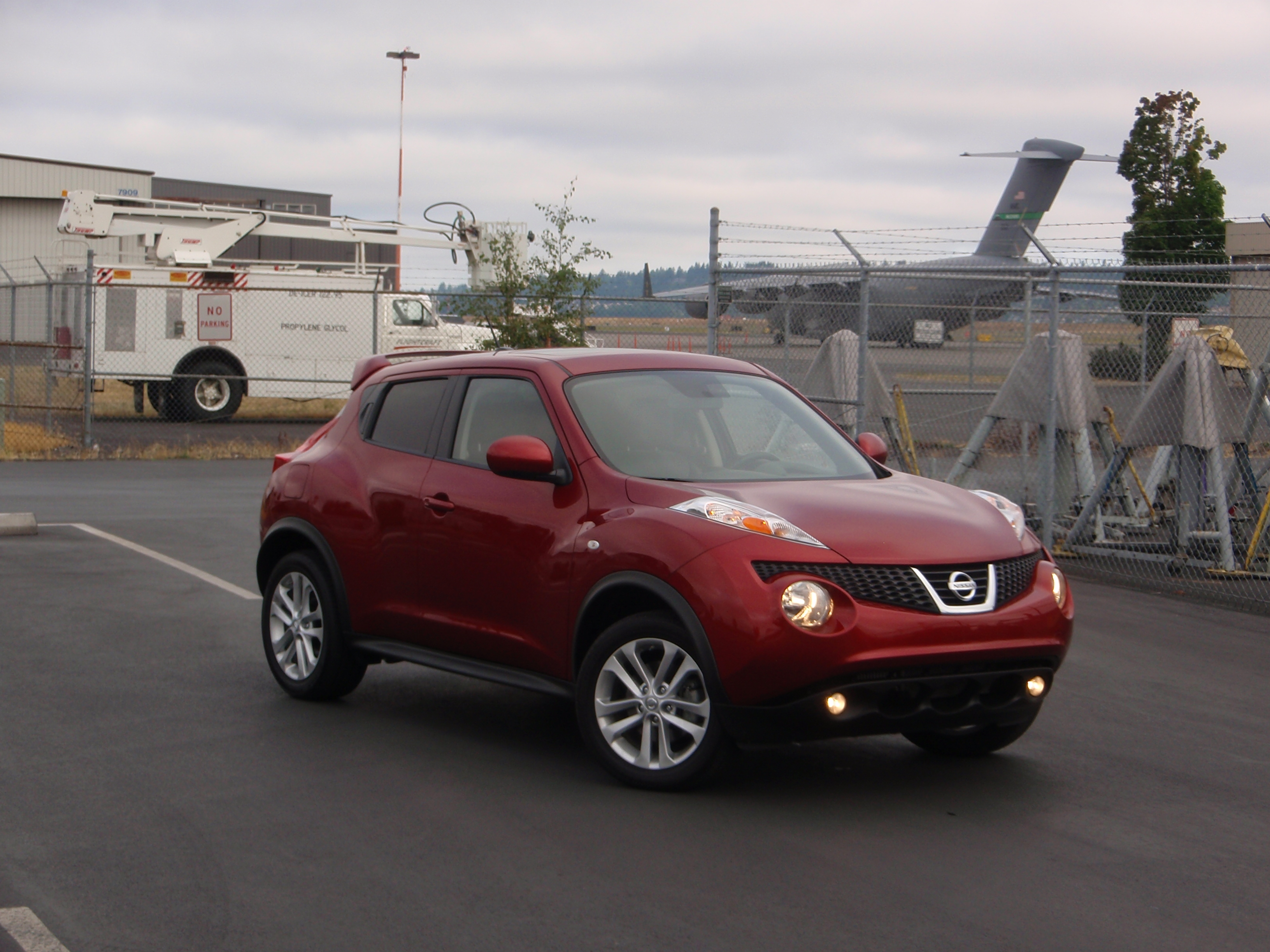 test drive nissan juke our auto expert. Black Bedroom Furniture Sets. Home Design Ideas