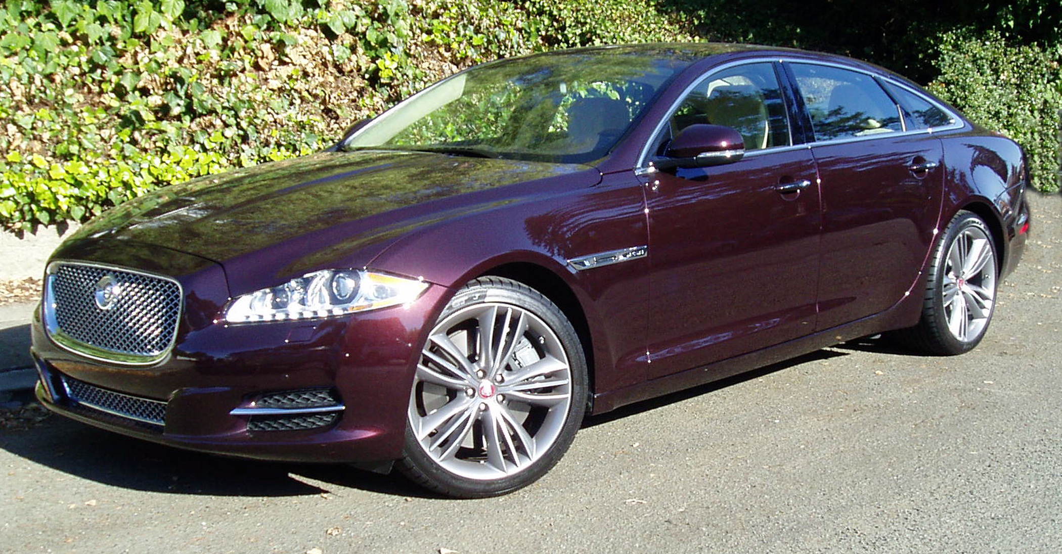 test drive 2012 jaguar xjl supersport our auto expert. Black Bedroom Furniture Sets. Home Design Ideas