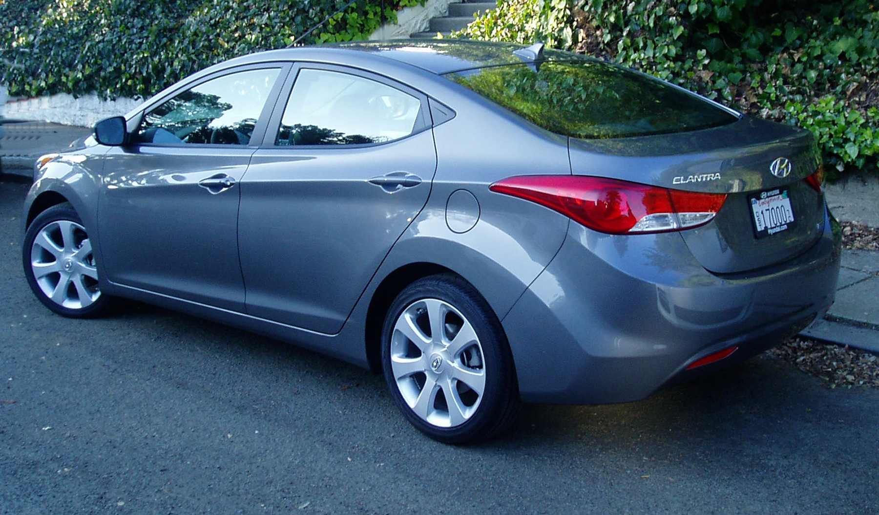 Test drive 2012 hyundai elantra limited sedan our auto - 2012 hyundai elantra exterior colors ...