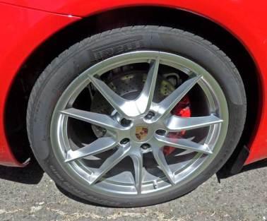 2013-Porsche-911-Carrera-S--Whl