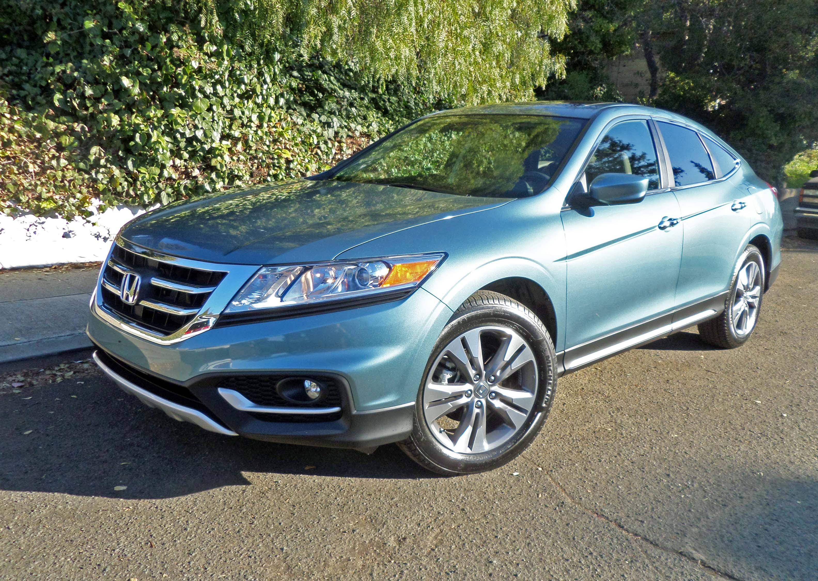 2014 honda crosstour ex l v6 awd navi test drive our auto expert. Black Bedroom Furniture Sets. Home Design Ideas