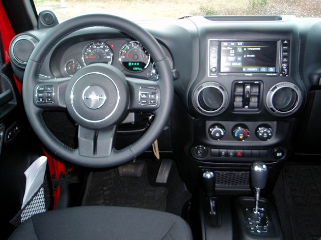 2014 Jeep Wrangler Unlimited dash
