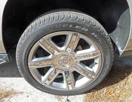 Cadillac-Escalade-Whl